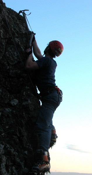 Drytooling at Skull Rock on the hardest line that I've found to TR so ...